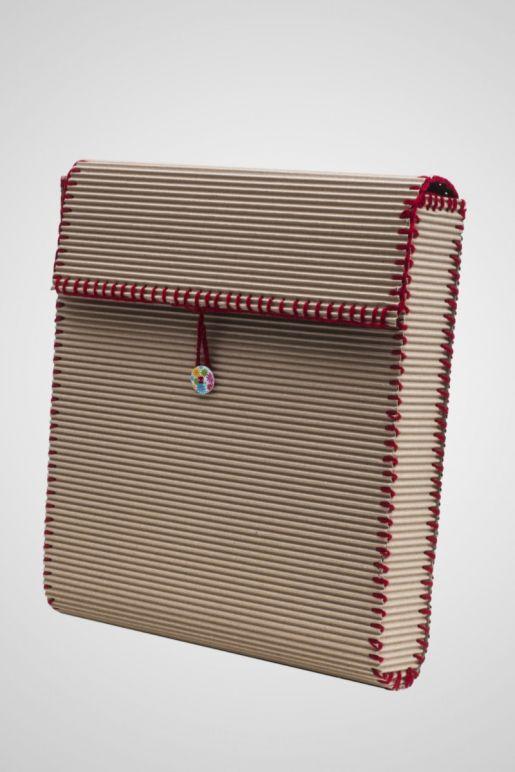 Το χρώμα στην πλεκτή μπορντούρα ενδέχεται να διαφέρει ανάλογα με την τσάντα